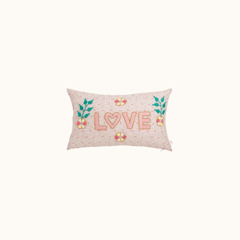 Love cushion natural white