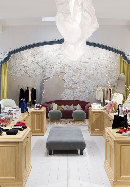 Boutique Montaigne Paris